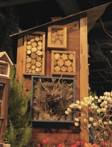 insect hotel small